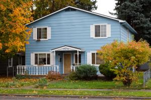$1200/mo – 1504 Front Ave, CDA / House 3 bd 1.5 bth
